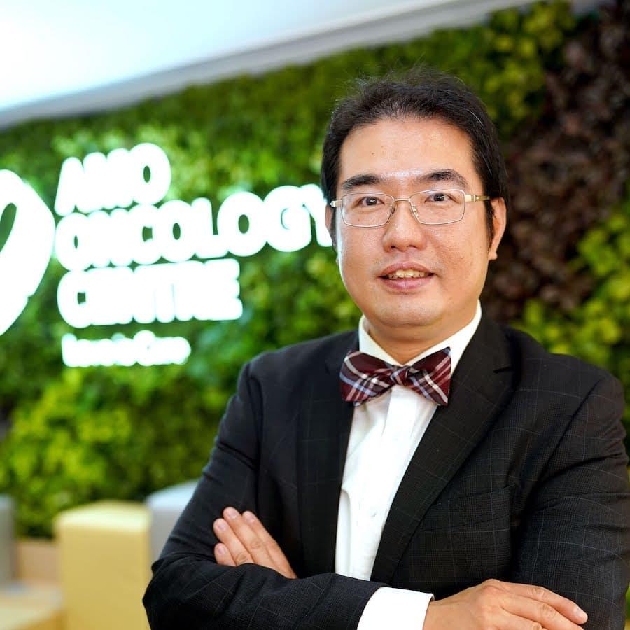 梁廣泉醫生 - 臨床腫瘤科專科醫生 Dr Angus KC LEUNG Clinical Oncologist