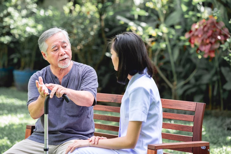新型止嘔藥 - 助肺癌病人預防化療後作嘔作悶 潘明駿醫生 腫瘤 癌症 肺癌 化療 副作用